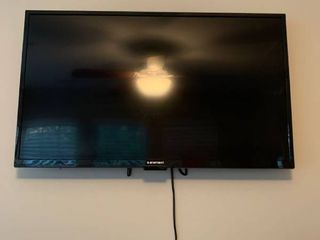 Element 39 inch tv with remote