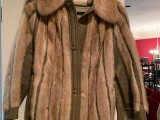 ladies fur coat maybe fox size medium