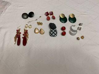 Set of 14 pierced earrings