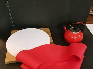 Tea pot  Frywall and no mess dough disk