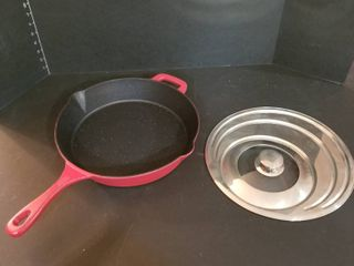 Kitchen cast iron skillet  like new  and lid