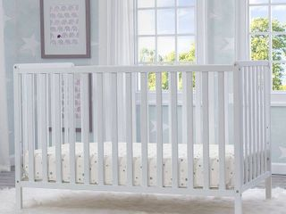 Delta Children Heartland 4 in 1 Convertible Crib  Bianca White