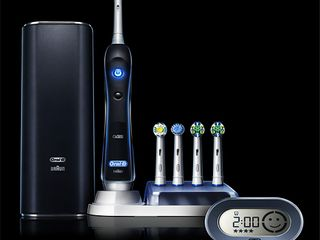 Oral B 7000 SmartSeries Electric Toothbrush 3 Brush Heads Powered by Braun Black