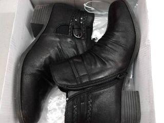 Yu Norah  Color Black  Size 7 5M