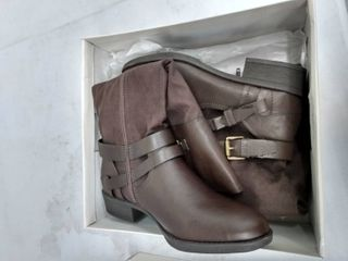 Style   Co Ashliie Riding Boots  Size 8M