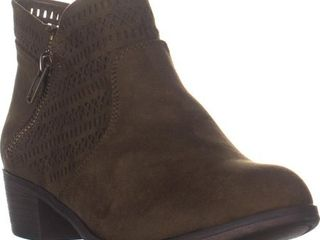 Womens AR35 Abby1 Perforated Ankle Boots  Olive Perforated  7 5 W US