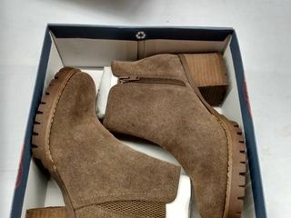 Carlos by Carlos Santana Gill Booties Women s Shoes  Size 8M