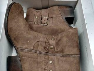 White Mountain Paulina Boots Women s Shoes  Size 9 5M