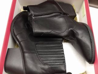 Womens Kayyla Pointed Toe Ankle Boots  Black Sm  8 US