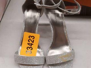 Worthington Bristol high heel silver size 7 5  DAMAGED