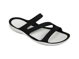 Crocs Women s Swiftwater Sandal  Size W5