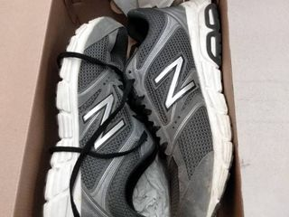 New Balance 460 Mens Sneakers  Size 9 5