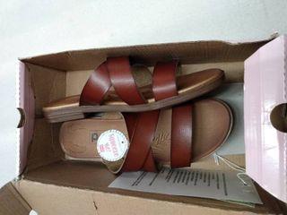 Pop Chinny Sandals  Size 8M