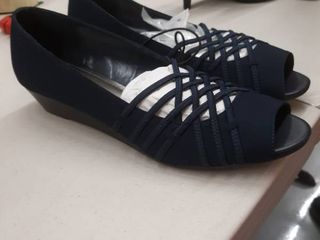 East 5th Grace Navy size 9
