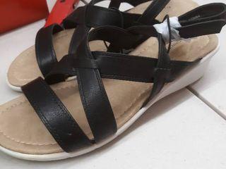 St Johns Bay Benji Black size 8 5
