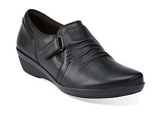 Clarks Women s Everlay Coda Slip On loafer  Black  9 M US