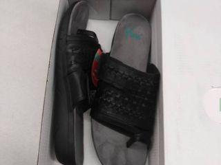 yuu 11M sandals womens used