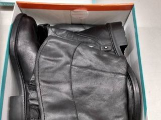 Baretraps Chaya Boots Women s Shoes  Size 11M