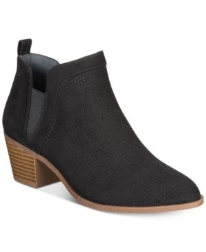 Style   Co Women s Myrrah Perforated Ankle Booties  Size 9W