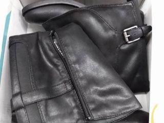Baretraps Alysha Boots Women s Shoes  Size 8 5M