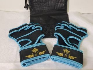 Blue and Black Cross Training Gloves  With Mesh Bag  like New