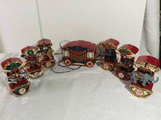 Mr  Christmas Holiday Carousel Plays Music 7 Pieces Attached by Wires lion and Tiger do not move  everything else works