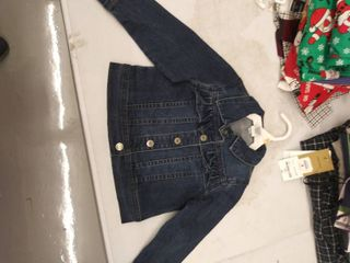 girls 2T jacket  button broken