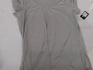 women s small top stained