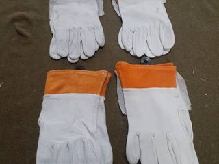lot of 4 Pairs   Small Size Work Gloves