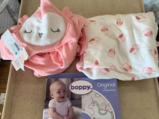 Baby Girl lOT  Carter s Owl Theme Towel Set  1 Hooded Towel  1 Regular    Boppy Cover  RETAIl  22