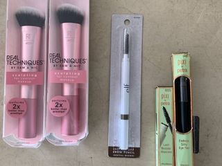 Beauty lOT   2  Real Techniques Sculpting Brushes  elf Brown Pencil  Pixie by Petra Mascara   Eye Pen  RETAIl  49