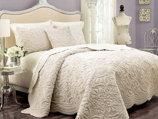 Vue Signature Plush Decor Charlotte Coverlet  Retail 89 99