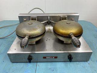 Wells Double Waffle Maker