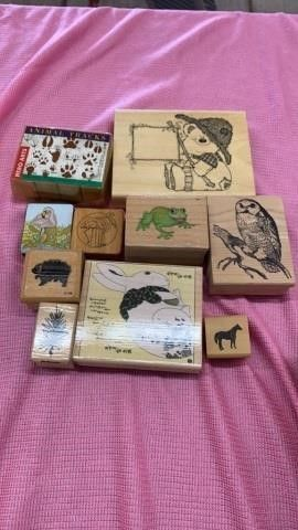 ANIMAl TRACKS SET AND ANIMAlS RUBBER STAMPS