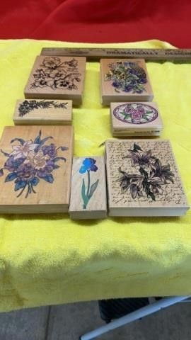 7 RUBBER STAMPS WITH FlOWERS