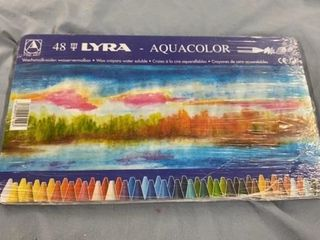NEW SET OF AQUA COlOR CRAYONS  UNOPENED