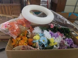 BOX OF ARTIFICIAl FlOWERS  MISCEllANOUS CRAFT