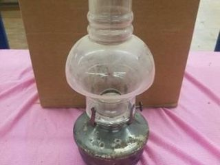 12  ANTIQUE KEROSENE lAMP