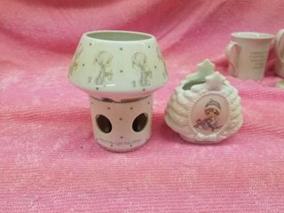 PRECIOUS MOMENTS CANDlE HOlDER AND CANDlE