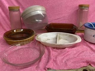 GlASS PASTA JARS   PIE PlATES  CASSEROlE   CROCK