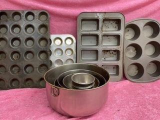 VARIOUS MUFFIN  lOAF BAKING WARE AND SET OF 8