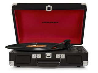 Crosley Cruiser Portable Turntable   Black  CR8005A BK