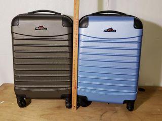 Pinnacle Molded luggage   Black   Blue