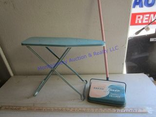 TOY IRONING BOARD   SWEEPER