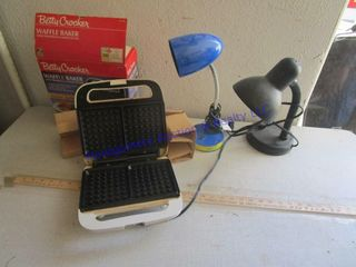 WAFFlE BAKER AND DESK lAMPS