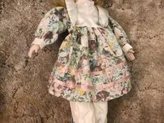 Porcelain doll with stand  Vogue doll 1972 Ginny
