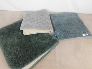 lot of 3 different bath rugs