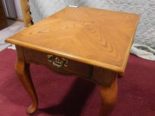 Wooden end table with drawer 21 1 2 in H X 26 in W X 20 1 2 in l