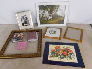 5 assorted hanging wall decor  picture frame and 2 photo albums