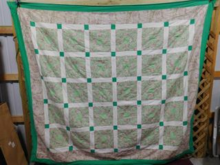 Quilted comforter 80 in X 96 in